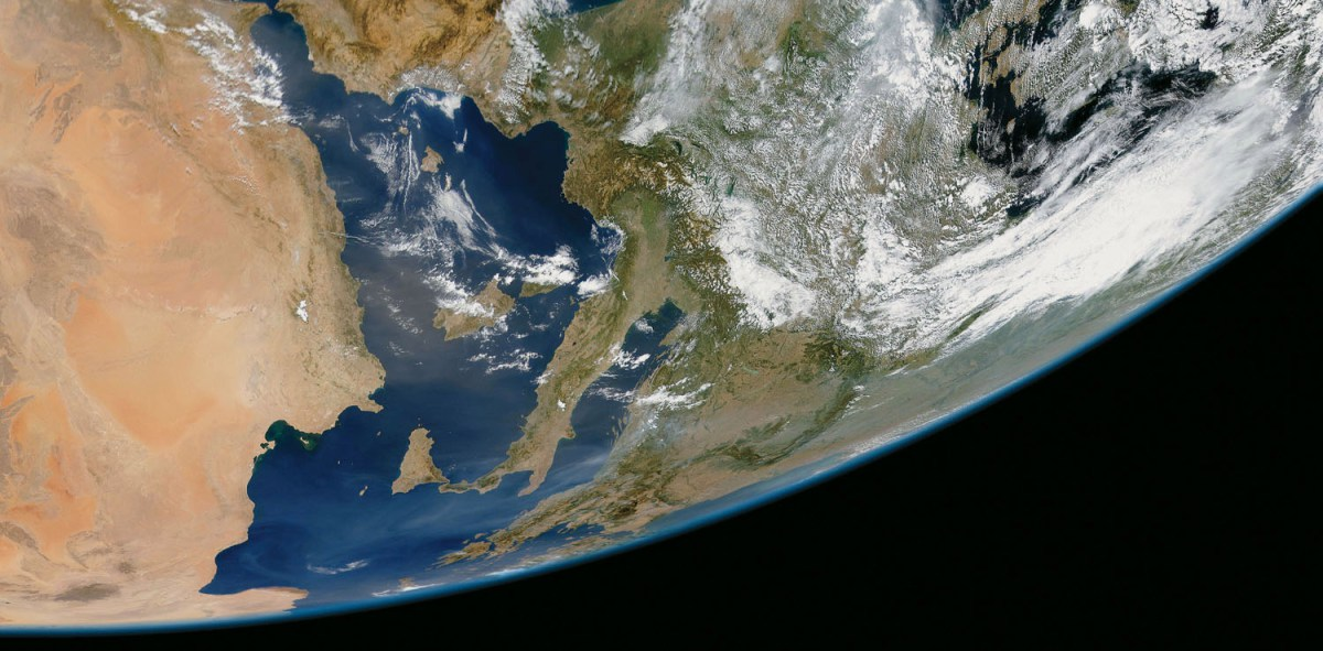 Sahara dust blows across the Mediterranean toward Italy