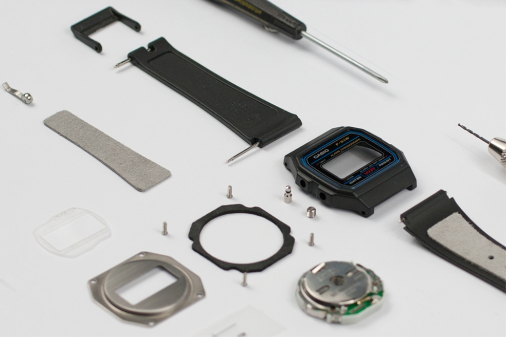 Casio F-91W disassembled