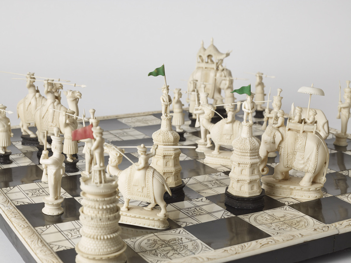 Master works beautiful and unusual chess sets sockrotation - Ornate chess sets ...